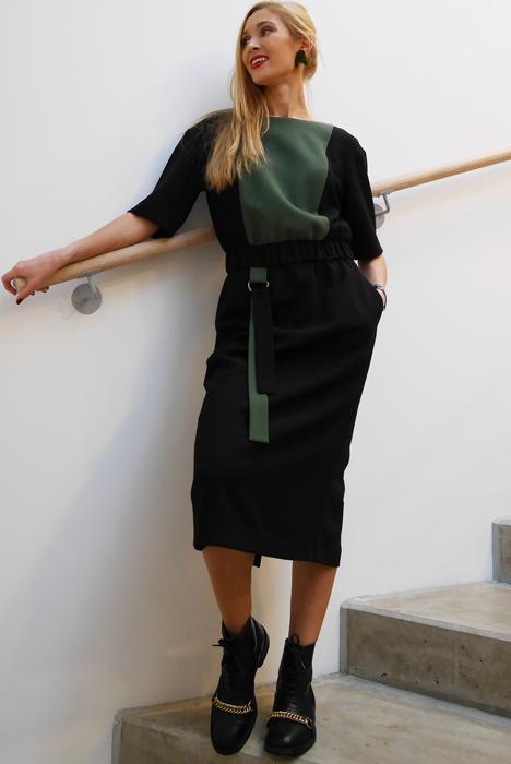Must & khaki kummiga kleit (S)