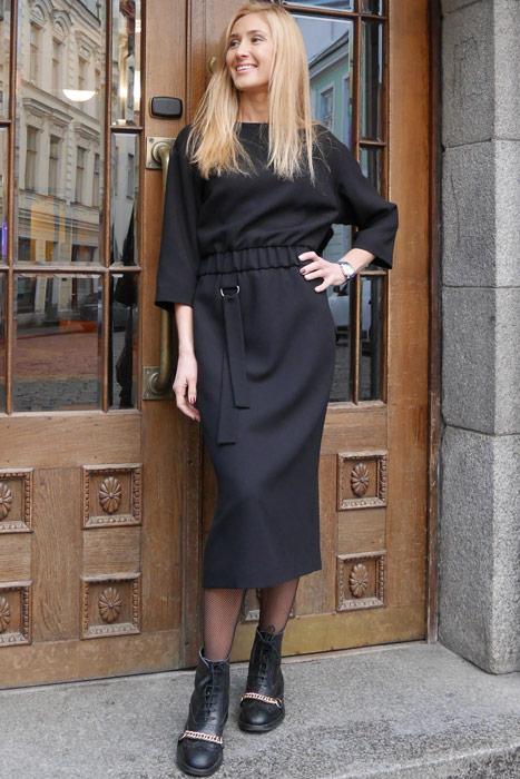 Must kummiga kleit (M)